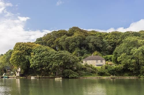 Last Minute Cottages - Charming Truro And The Roseland Peninsula Cottage S42570