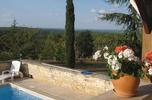 Last Minute Cottages - Inviting Salviac Cottage S117916