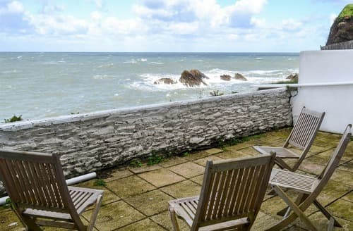 Last Minute Cottages - Inviting Ilfracombe Apartment S123068