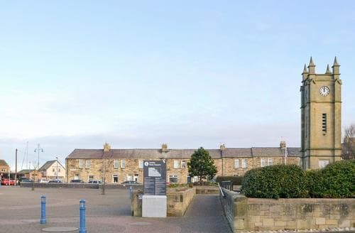 Last Minute Cottages - Luxury Warkworth Cottage S75656