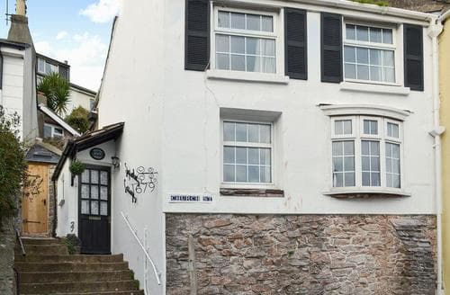 Last Minute Cottages - Cosy Brixham Cottage S88471