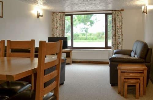 Last Minute Cottages - Inviting Fakenham Cottage S124111