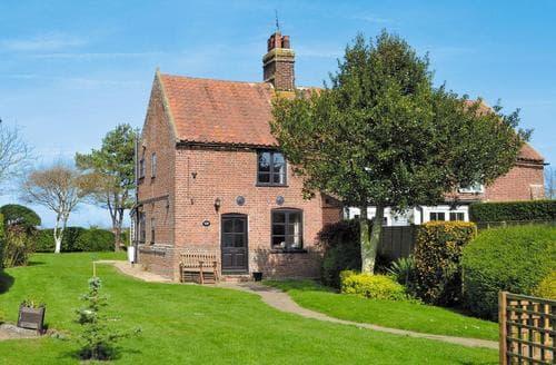 Last Minute Cottages - Charming Happisburgh Cottage S17294