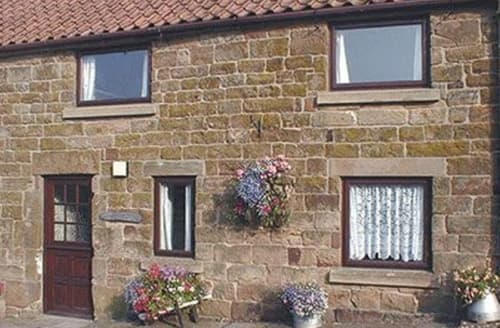Dog Friendly Cottages - Luxury Rosedale Abbey Cottage S15393
