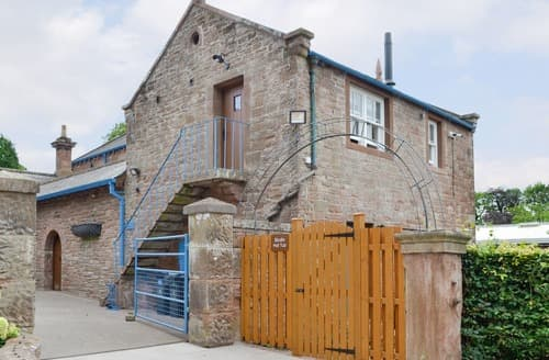 Last Minute Cottages - Garth Studio-UKC3329