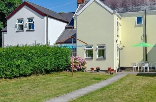 Last Minute Cottages - Adorable Swansea Cottage S84593