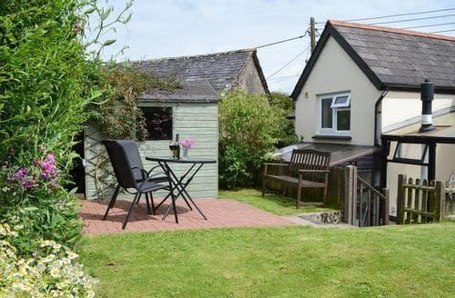 Last Minute Cottages - Elm Cottage