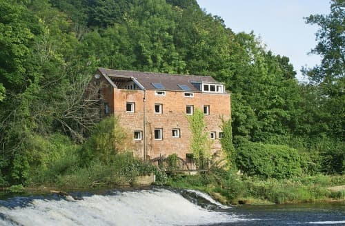 Last Minute Cottages - Erbistock Mill