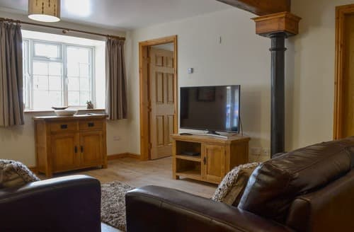 Last Minute Cottages - Superb Caernarfon Apartment S121830
