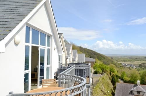 Last Minute Cottages - Exquisite Laugharne And Llansteffan Apartment S33563
