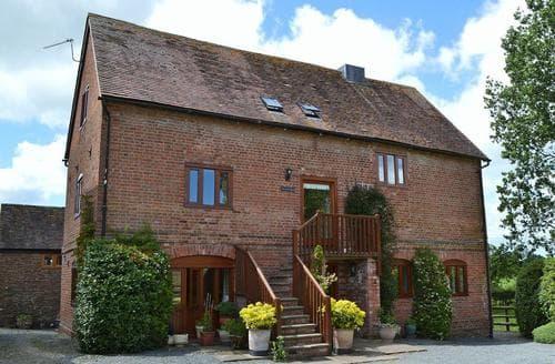 Last Minute Cottages - Luxury Leominster Apartment S16964