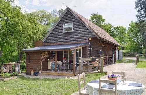 Last Minute Cottages - Lovely Maldon Cottage S50592