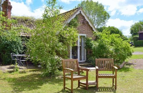 Last Minute Cottages - Beautiful Diss Apartment S58064