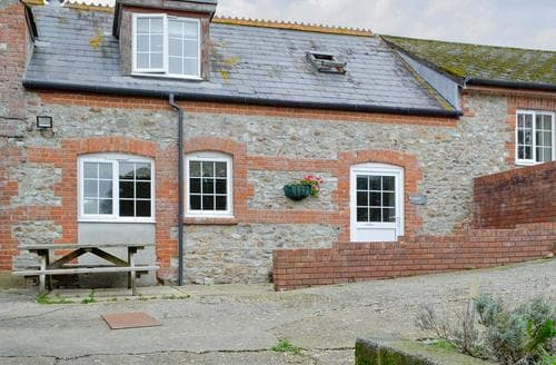 Last Minute Cottages - Inviting Lyme Regis Cottage S19790