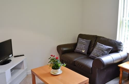 Dog Friendly Cottages - Cosy Torquay Apartment S19455