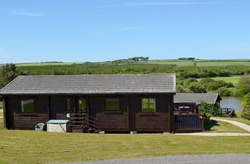 Last Minute Cottages - Inviting Hartland Lodge S77264