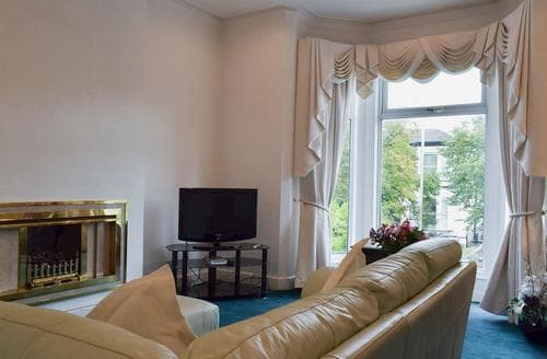 Last Minute Cottages - Luxury Southport Apartment S85555
