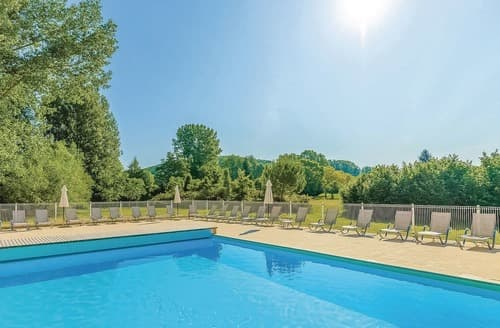 Last Minute Cottages - Bastides Lascaux M.6X W15071