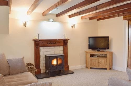 Last Minute Cottages - Superb Narberth Lodge S38177