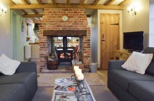 Last Minute Cottages - Russell Green Cottage