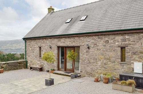 Last Minute Cottages - Little Hare Barn