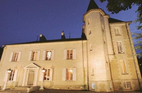Last Minute Cottages - Chateau De Villejovet