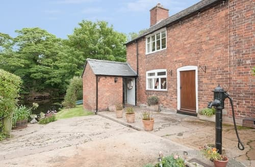 Last Minute Cottages - Cosy Oswestry Cottage S16822