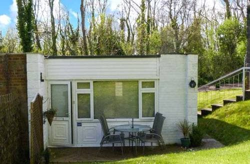 Last Minute Cottages - Excellent Gurnard Pines Cottage S3979