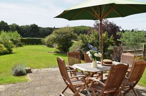 Last Minute Cottages - Delightful Maidstone Apartment S24502