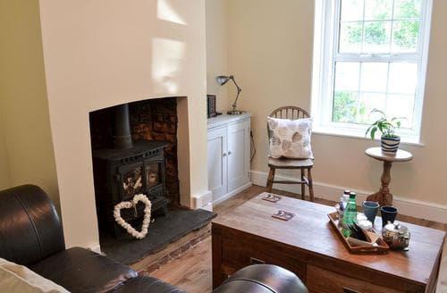 Last Minute Cottages - Cosy Folkestone Cottage S81945