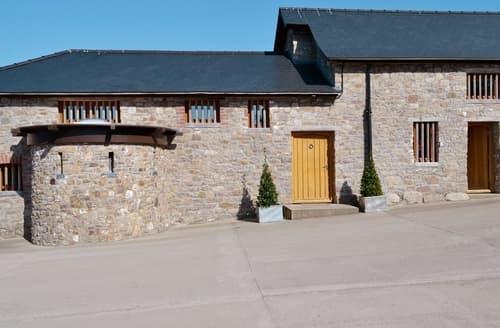 Big Cottages - Ysgubor Pantymangoed