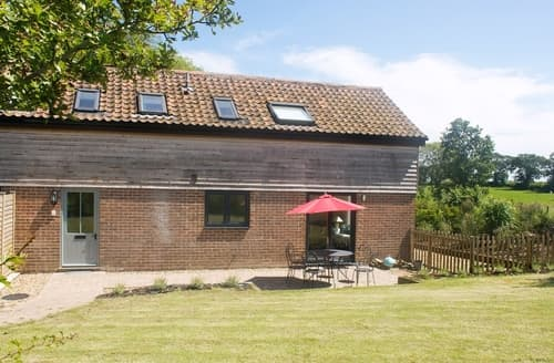 Last Minute Cottages - Charming Holt Cottage S17356
