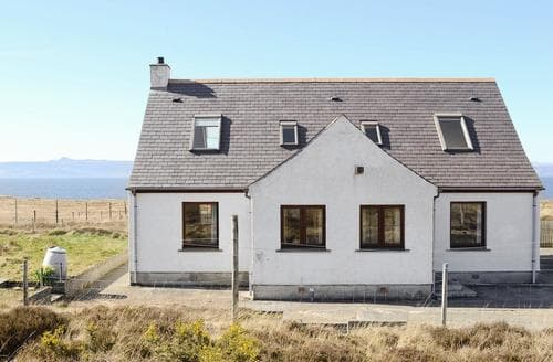 Big Cottages - Quaint Applecross Cottage S24277