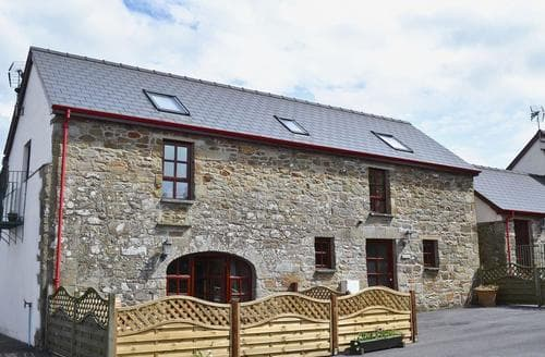 Last Minute Cottages - The Stables- OSB