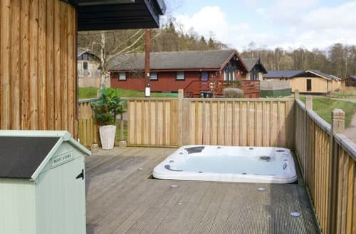 Last Minute Cottages - Charming Otterburn Lodge S59677