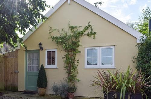 Dog Friendly Cottages - Field View Cottage