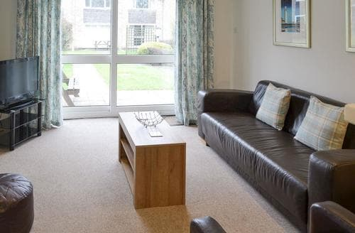 Last Minute Cottages - Newquay Holiday Villa