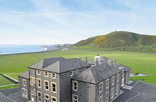 Big Cottages - Exquisite Aberystwyth Apartment S25865