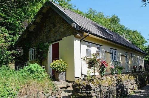 Last Minute Cottages - Excellent Narberth Cottage S21895