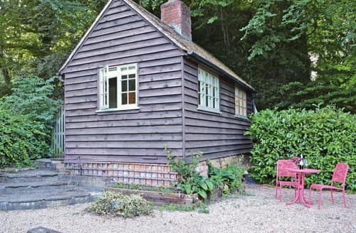 Dog Friendly Cottages - Beautiful Brighton Cottage S13894