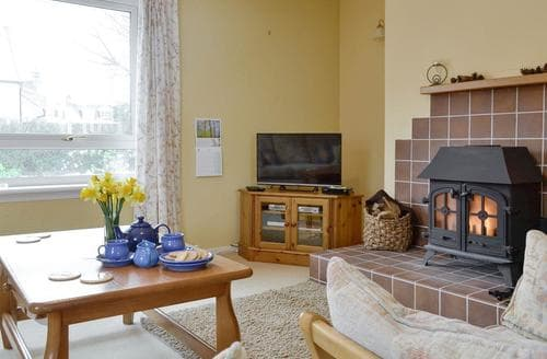 Last Minute Cottages - Beautiful Ballater Cottage S97675
