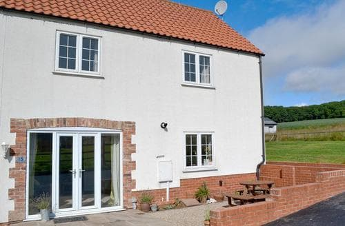 Last Minute Cottages - Captivating Bridlington Cottage S77193