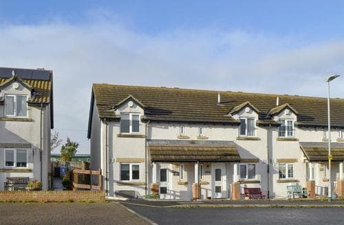 Last Minute Cottages - Exquisite Seahouses Cottage S88425