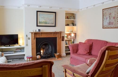 Last Minute Cottages - Captivating Blackpool Cottage S18192