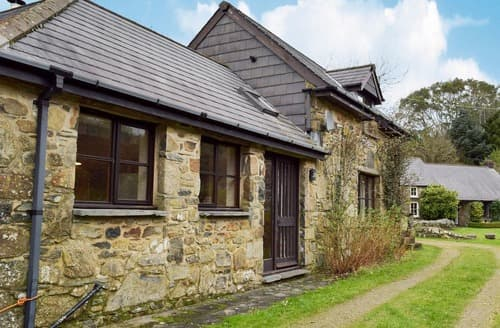 Last Minute Cottages - Splendid Preseli Hills Cottage S127773
