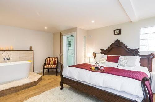 Last Minute Cottages - Inviting Horning Cottage S73205
