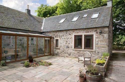 Last Minute Cottages - Lovely Glasgow Cottage S83094