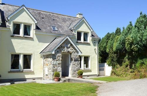 Big Cottages - Tasteful Porthtowan Cottage S57496