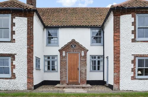 Last Minute Cottages - Charming Blakeney Cottage S83064