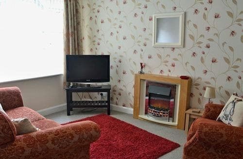 Last Minute Cottages - Cosy Bridlington Apartment S80173